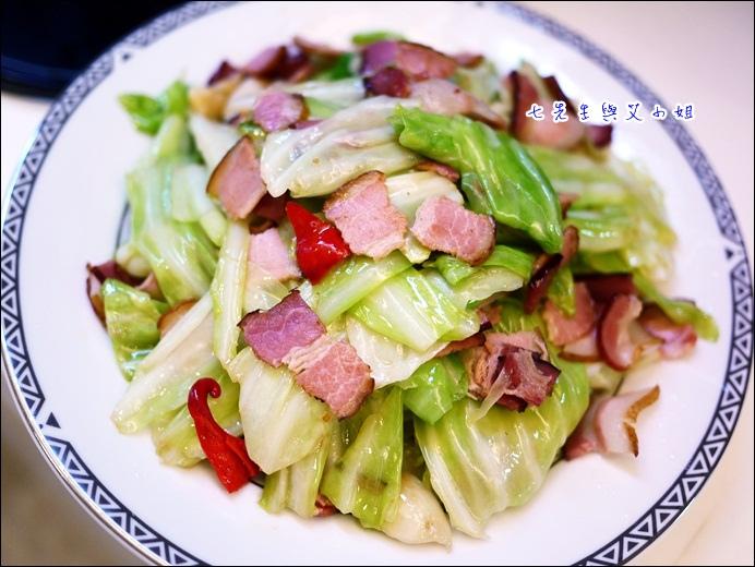 13 培根炒高麗菜
