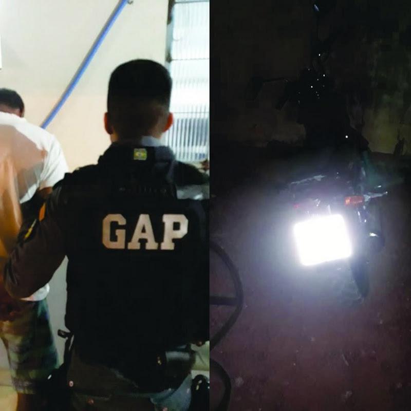 NOVA OLÍMPIA: Motociclista embriagado é detido após 'empinar' moto em frente a Polícia
