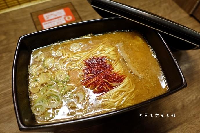 22 日本九州 一蘭拉麵 天神西店 方碗拉麵