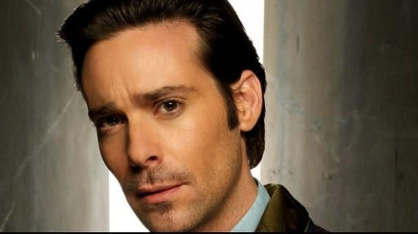 James Callis Profile pictures, Dp Images, Display pics collection for whatsapp, Facebook, Instagram, Pinterest.