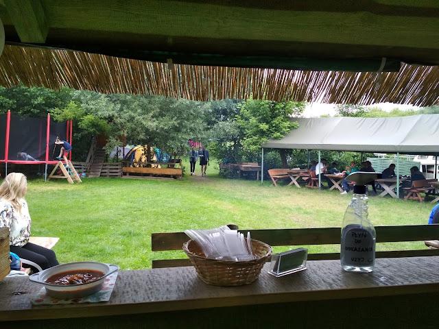 Namioty, relaks, odpoczynek po spływie kajakowym z Przystanią Kowale