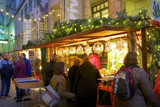フランクフルトのクリスマスマーケット出店