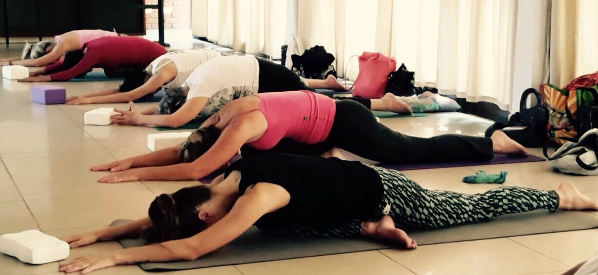 Masajes, El Yoga del Contacto