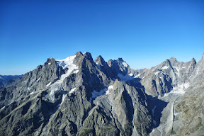 La bassin du glacier noir au pied du Pelvoux et des Ailefroides