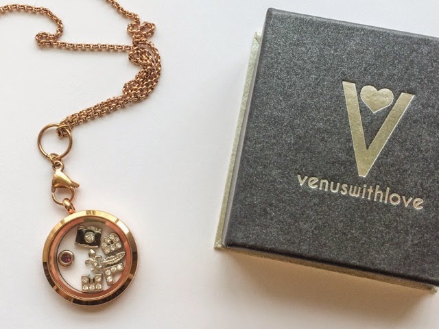 venus-with-love-v-locket-charm-bracelet