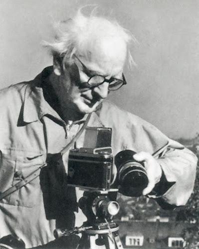 Karol Plicka met zijn geliefde Pentacon Six camera