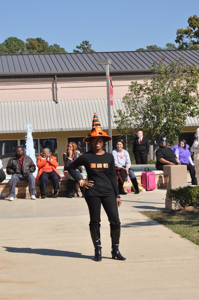 Halloween Costume Contest 2012 - DSC_0207.JPG