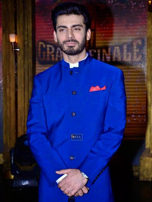 Fawad Khan on the sets of Entertainment Ke Liye Kuch Bhi Karega, in Mumbai. (Pic: Viral Bhayani)<br /> <br />