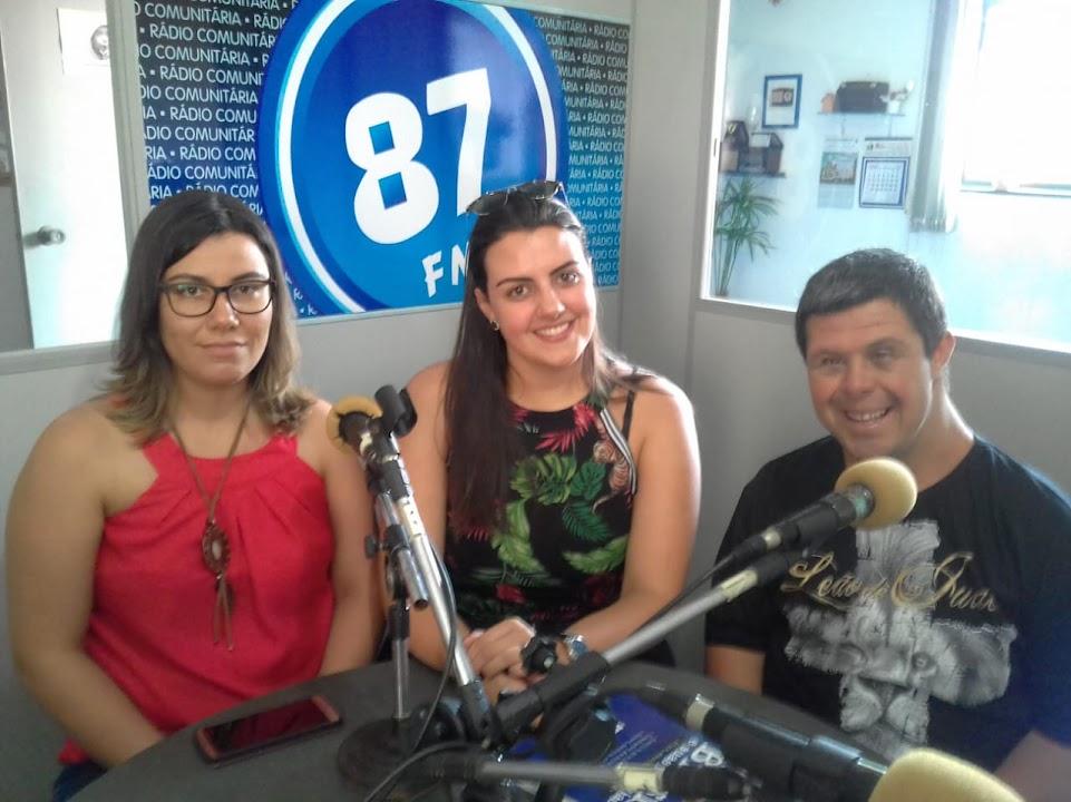 Jenifer Fernandes Oliveira, Juliana Caldeira e Orlando Rodrigues Chaves Junior