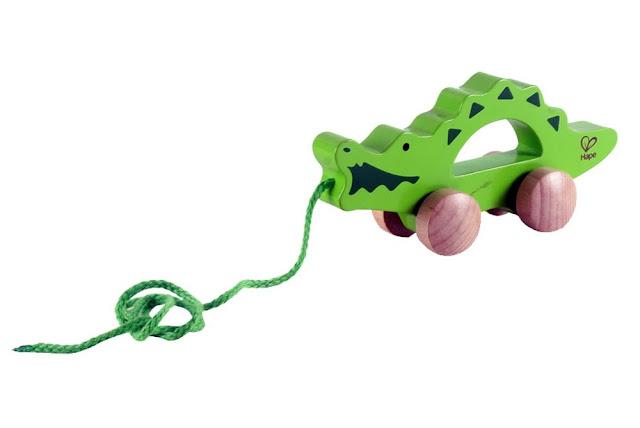 Xe kéo đồ chơi hình cá sấu Hape E0907A
