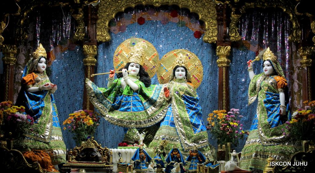 ISKCON Juhu Mangal Deity Darshan on 5th Sep 2016 (22)