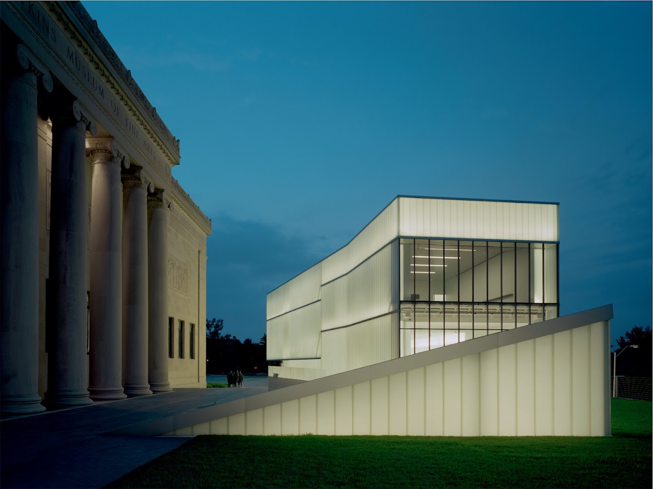 On 12th at Oak Eastbound, Kansas City, Missouri 64106, Stati Uniti: Nelson Atkins Museum of Art by Steven Holl Architects