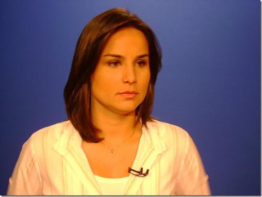Flávia Alvarenga, jornalista