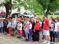 40 Az ipolyszakállosi tanulók egyrésze.JPG