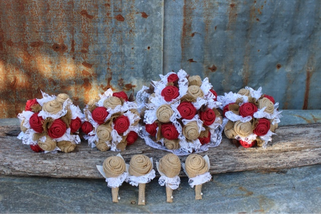 red and brown burlap bouquets and boutonnieres