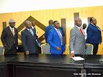 Des opposants congolais à Kinshasa, le 27/04/2015 devant le siège de la Ceni. Radio Okapi/Ph. John Bompengo