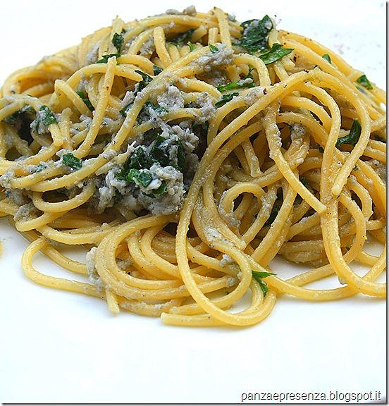 Gli spaghetti con la nunnata ( neonata ) di sarde