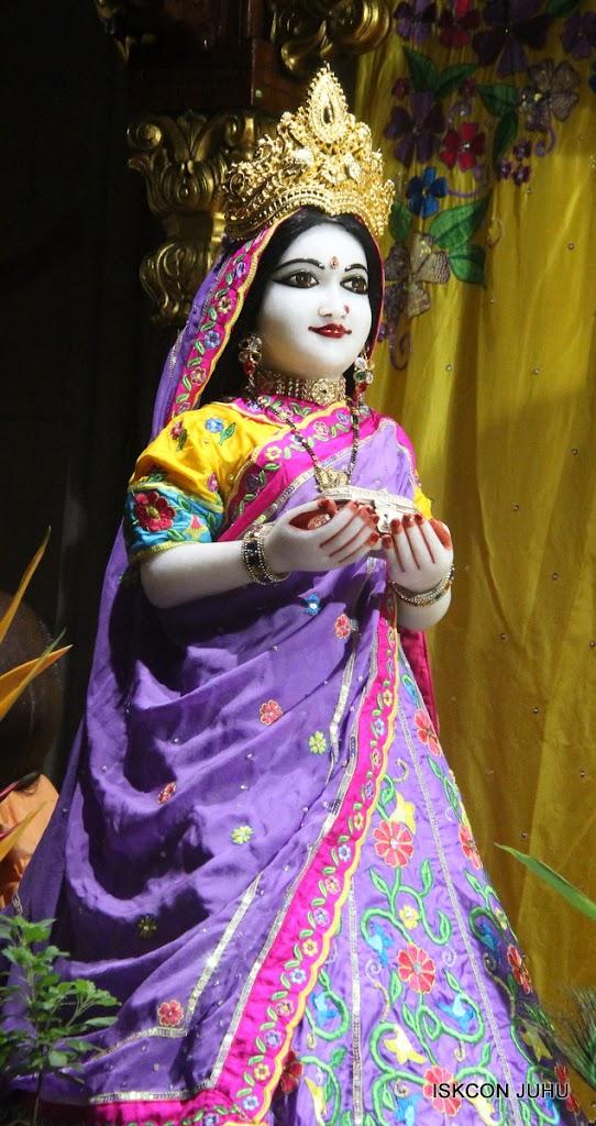 ISKCON Juhu Mangal Deity Darshan on 10th July 2016 (16)