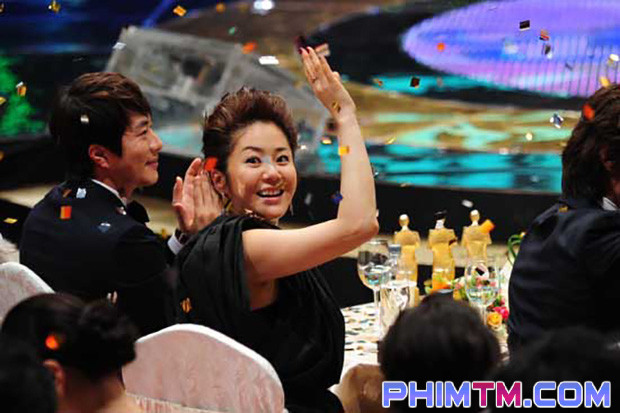 Loạt sao Hàn bị lên án vì thái độ lồi lõm và phát biểu vô tâm khi nhận giải - Ảnh 12.