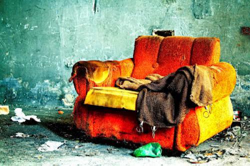 Lk 922 25 An Old Sofa