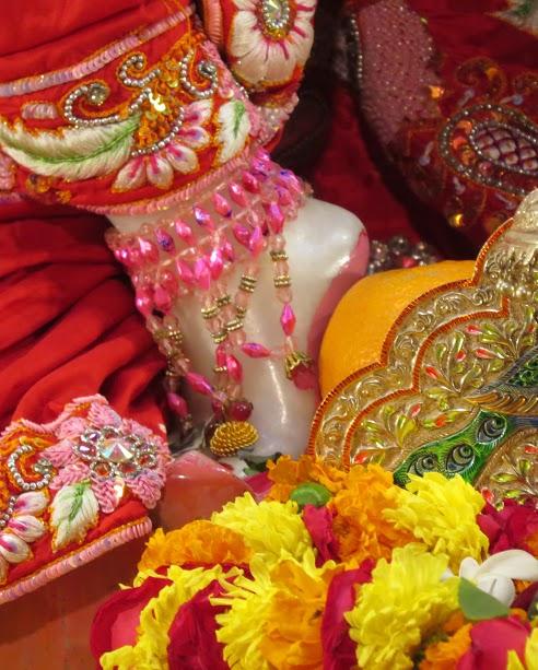 ISKCON Vallabh vidhyanagar Deity Darshan 09 jan 2017 (5)