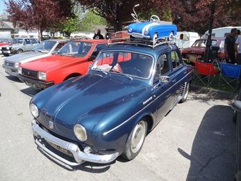 2018.05.06-001 Renault Dauphine et sa miniature à pédales