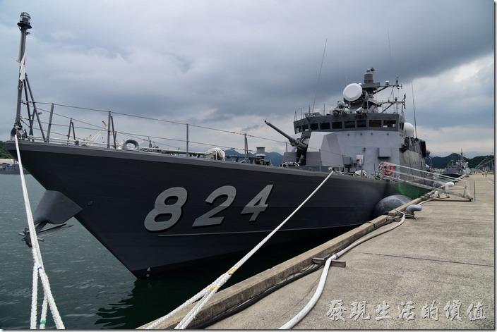 日本舞鶴-海上自衛隊。這是另一艘隼級巡邏艇「はやぶさ」號。(824)