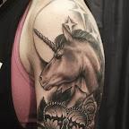 unicorn-coeur-lock-roses-bras.jpg