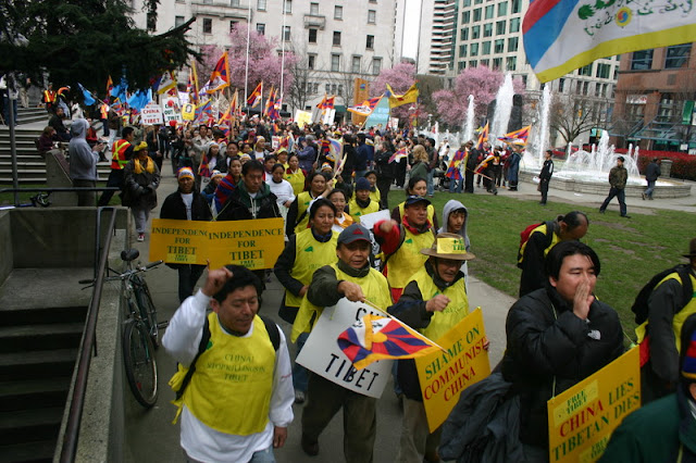 Global Protest in Vancouver BC/photo by Crazy Yak - IMG_0124.JPG