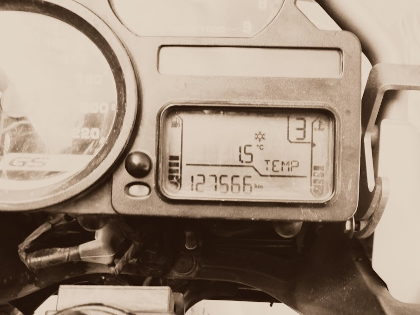 Marrocos e Mauritãnia a Queimar Pneu e Gasolina - Página 13 DSCF1501