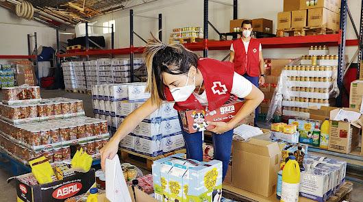 Reparto de miles de kilos de alimentos a 8.000 familias con dificultades