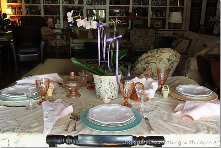 Feminine Tablescape in Florals-Bargain Decorating with Laurie
