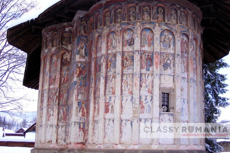 detaliu manastirea humor