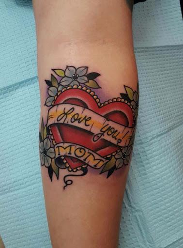 Um dos melhores tatuagem para mostrar seu amor para a sua mae