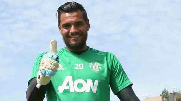 Romero signs new Man Utd deal until 2021