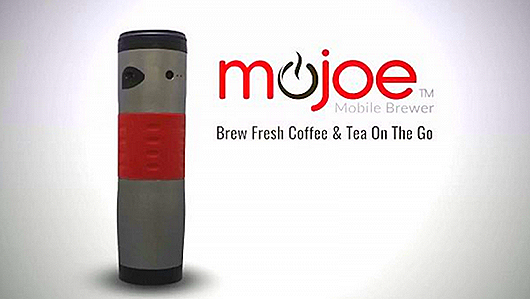 the-mojoe-coffee-maker-mug-allows-caffeine-addicts-to-brew-anywhere