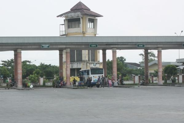 Berita foto video sinar ngawi terkini: Lonjakan arus balik di terminal Kertonegoro ngawi terjadi pada hari ini, H +4