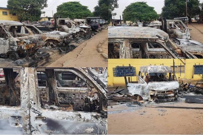 Hoodlums attacks Police Station in Akwa Ibom State, Kills two police men, set vehicles ablaze.