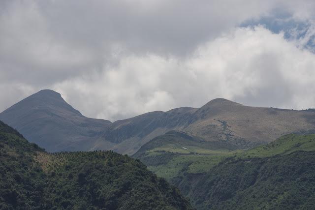 Vue sur le Pichincha. Près de Nono, 3100 m (Pichincha, Équateur), 12 décembre 2013. Photo : J.-M. Gayman