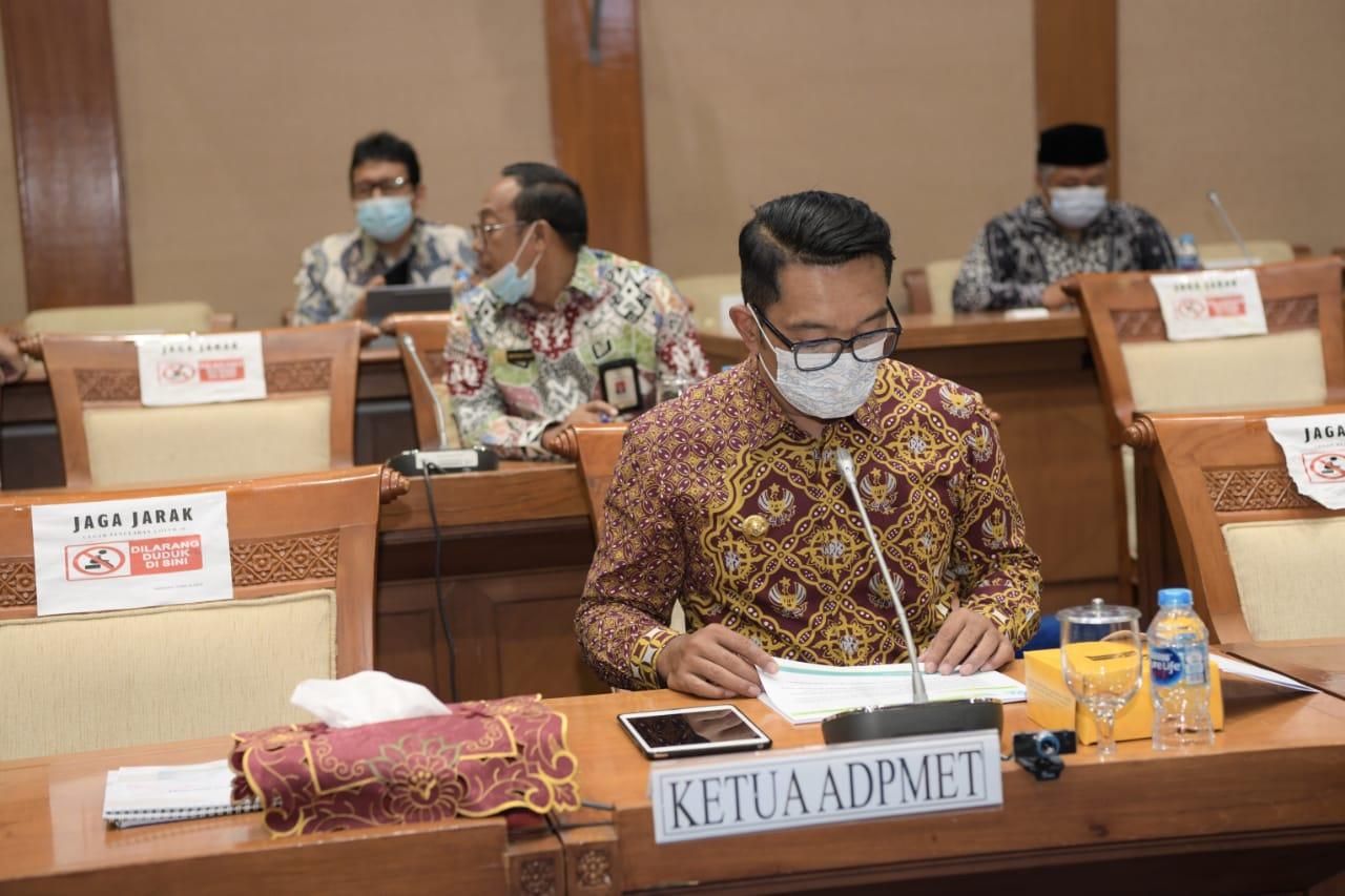 Ridwan Kamil Sampaikan Aspirasi Terkait RUU Energi Baru Terbarukan.