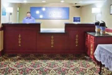 Holiday Inn Express and Suites TulsaDowntown Area