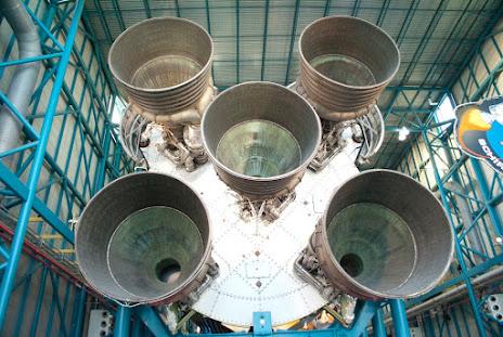 Saturn V - Blast end