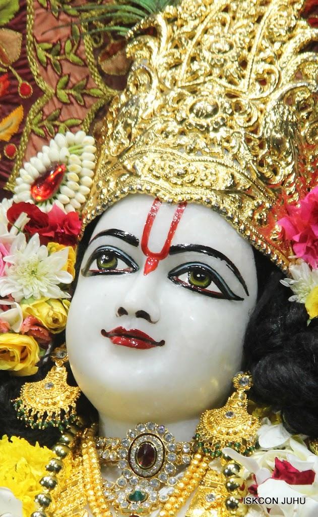 ISKCON Juhu Sringar Deity Darshan on 30th May 2016 (44)