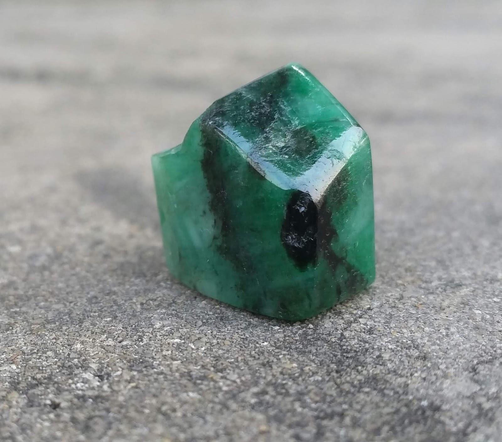 35,3ct (21 x 17 x12mm) tinh thể Natural Emerald đã mài bóng