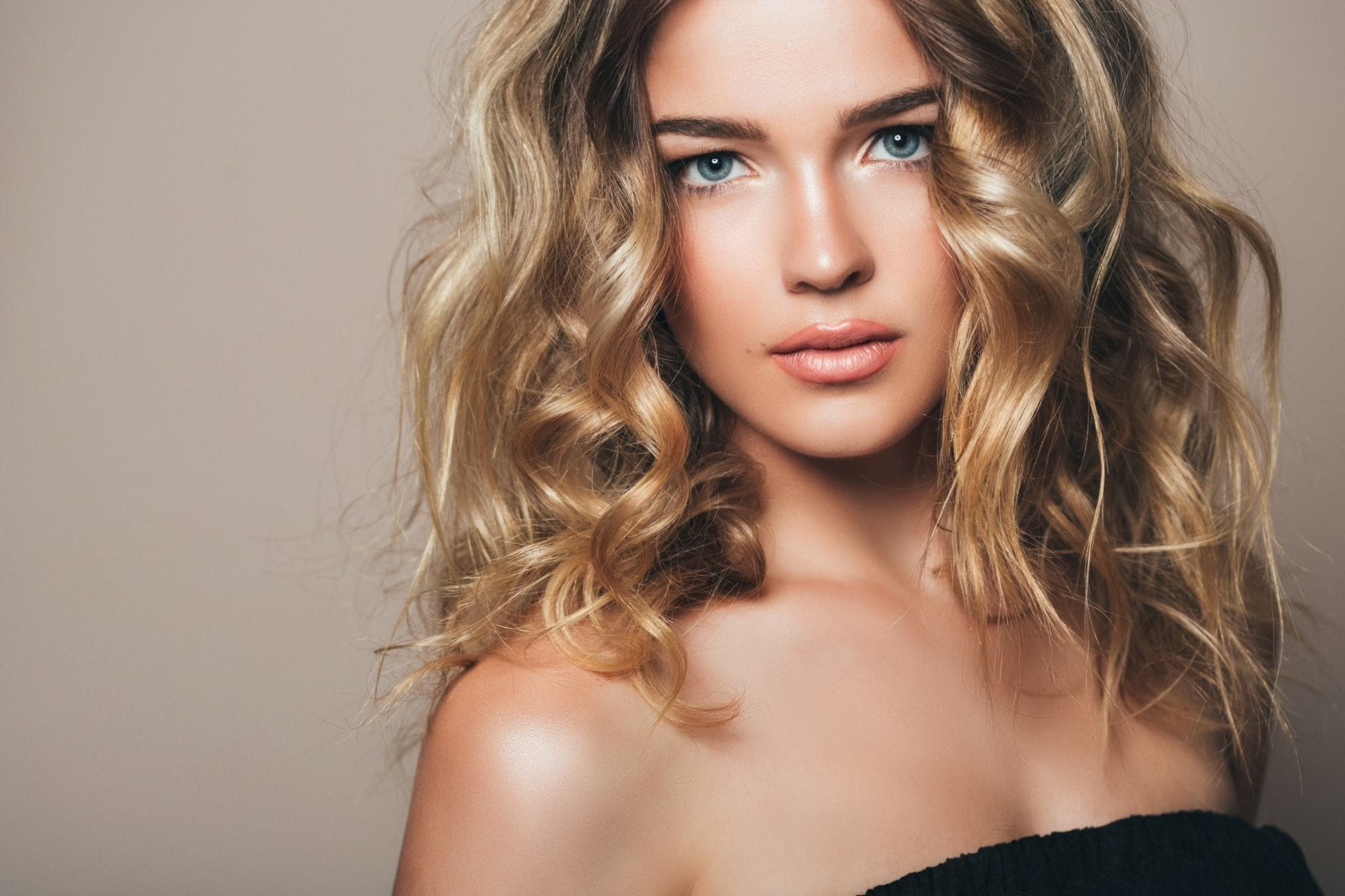 2018 Blonde Curly Hair : Exclusive Styles For Beautiful Womans 9