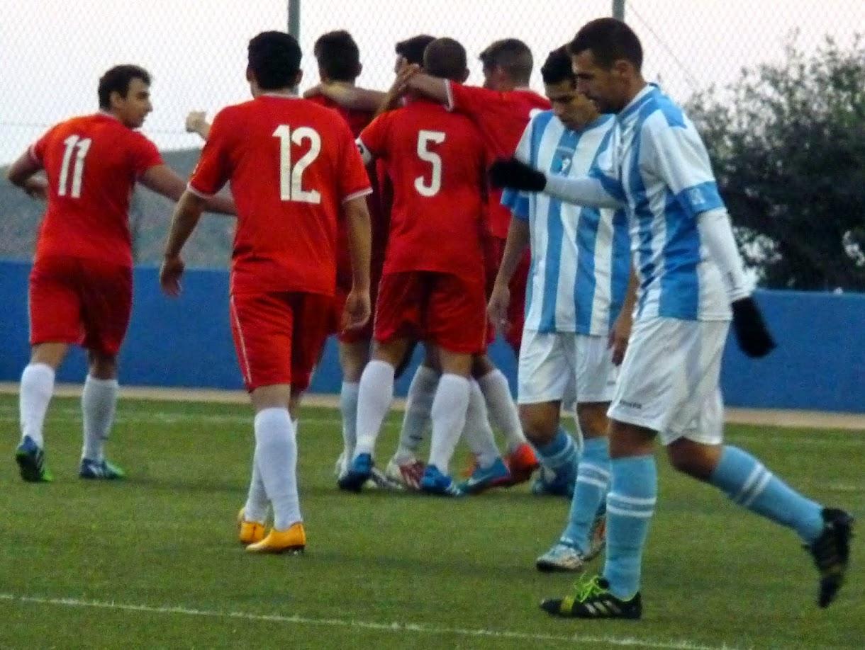 Los jugadores del Filial celebran un gol como visitantes