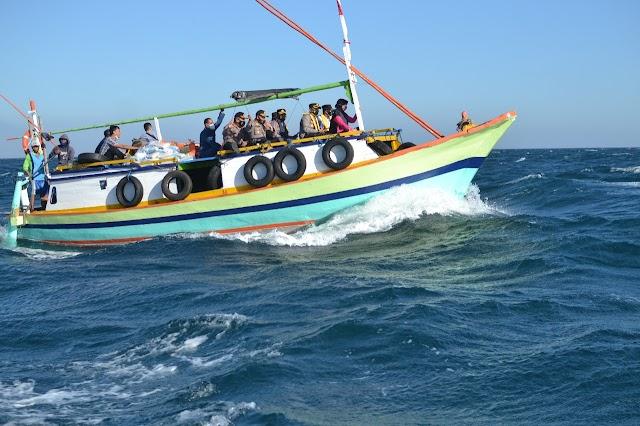 *Hingga Pulau Terpencil, Polres Probolinggo Kota Salurkan Bansos untuk Warga Terdampak Covid -19*