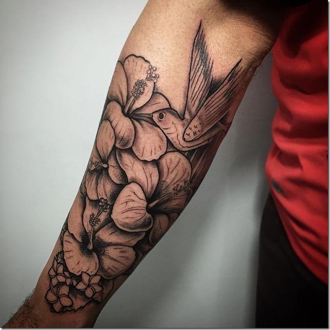 Tatuajes De Hombres En El Brazo Fotos Perfectas Tatuajes247 - Tatuajes-flores-brazo