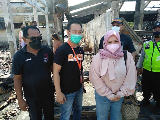 Melly Goeslaw Datangi Pasar  Blahbatuh Gianyar Yang Terbakar ,Mewakili IKAPPI