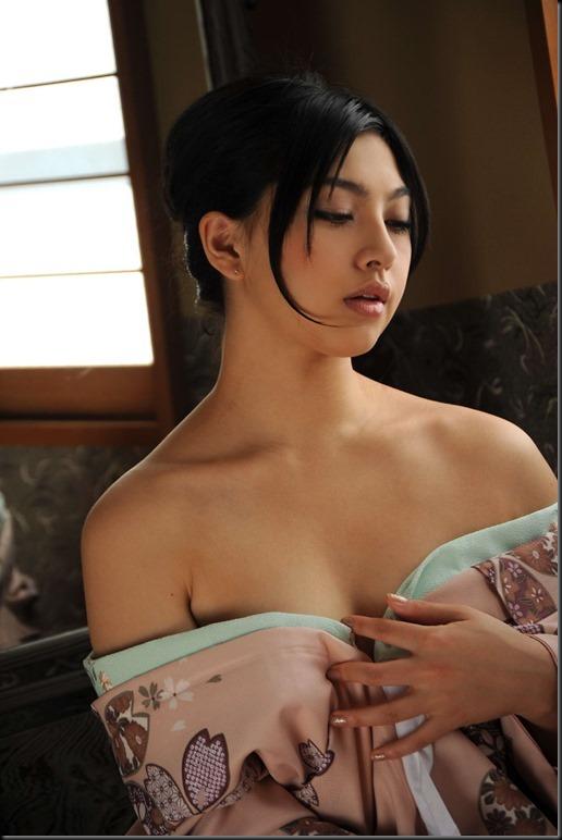 Saori Hara in Kimono_246748-0047